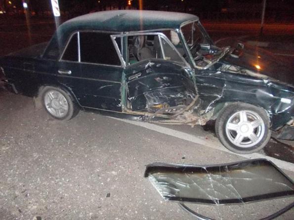 В городе Ставрополе столкнулись «ВАЗ-2106» и «Форд Фьюжн»