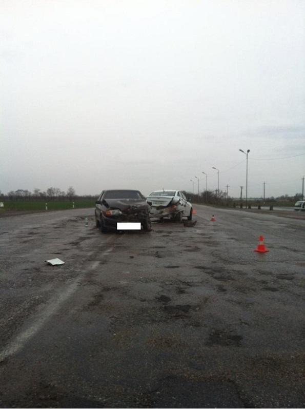 В Георгиевском районе столкнулись «ВАЗ- 21130» и «Хендай Солярис»