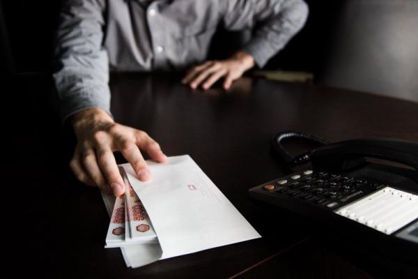 Гендиректор АО «Георгиевские электрические сети» подозревается в коммерческом подкупе