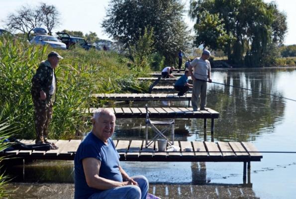 Ветераны МВД состязались в рыбной ловле