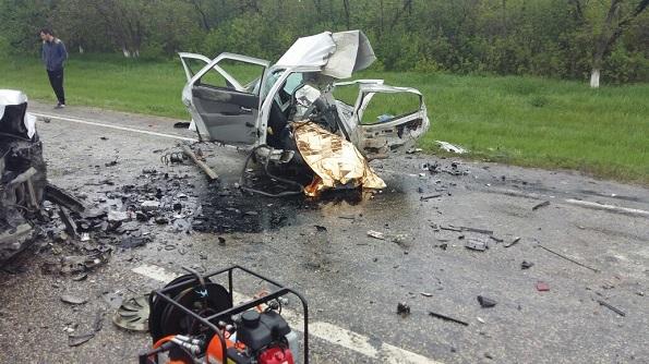 ДТП: 4 погибли и трое пострадали в Минераловодском районе