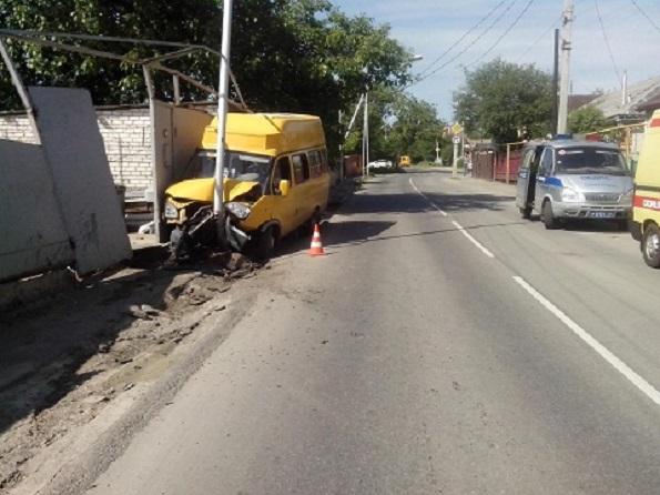 В Ставрополе пьяный водитель «маршрутки» въехал в электрическую опору