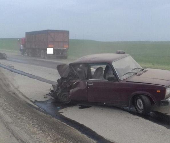 В Изобильненском районе в ДТП с «КАМАЗом» пострадали 3 человека