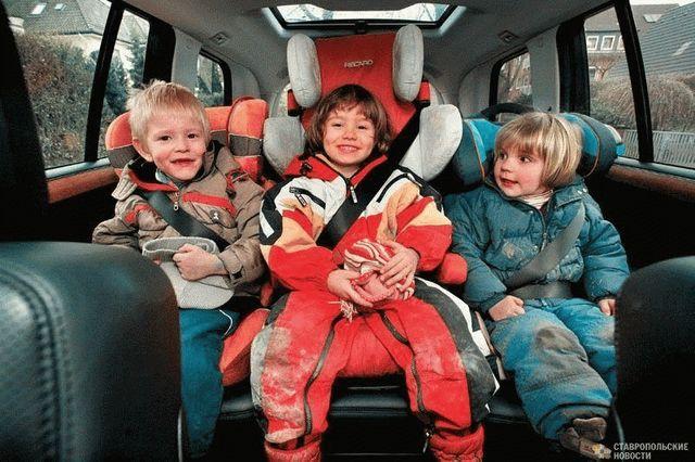 Правильная перевозка детей в автомобиле спасает им жизнь