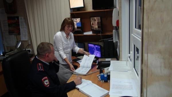 Председатель Общественного совета проверила работу дежурной части
