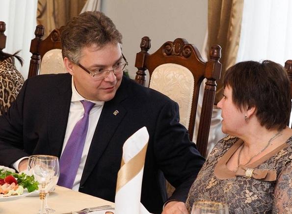 Вдов и матерей павших героев Отечества чествовали в Правительстве Ставрополья