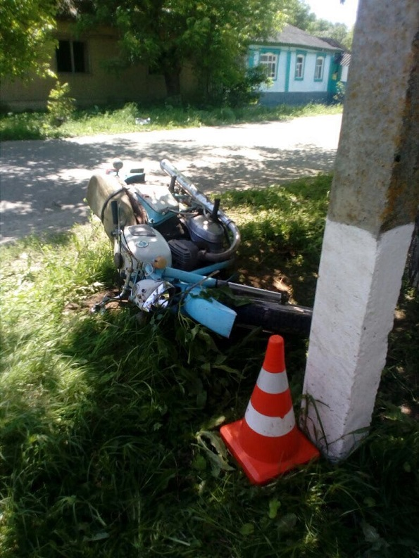В Александровском районе несовершеннолетний водитель мотоцикла погиб в результате ДТП