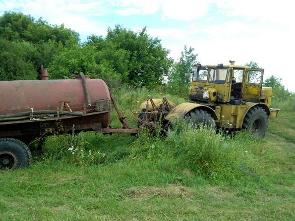 В Андроповском районе погиб тракторист после падения из кабины