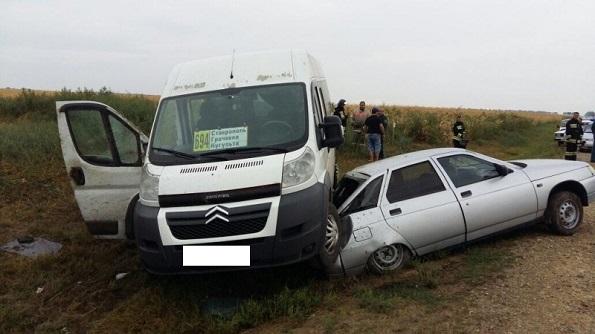 В Грачевском районе произошло ДТП с маршруткой. Пострадали пассажиры