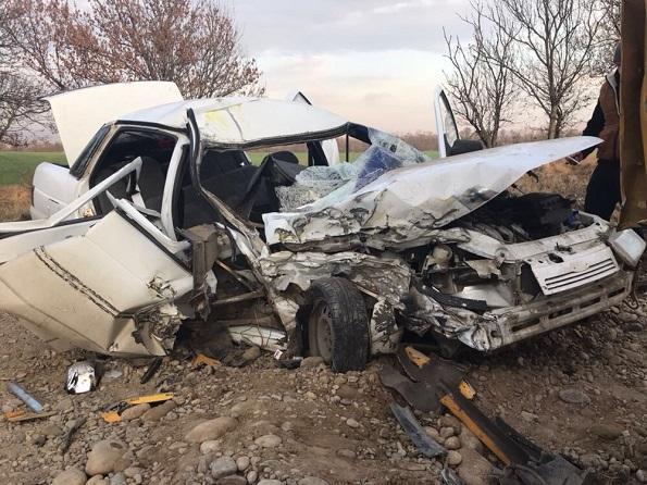 В лобовом столкновении с «КАМАЗом» погиб ребенок и еще двое детей в больнице