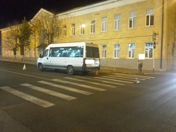 В Ставрополе маршрутка проехала по ноге пешехода на «зебре»