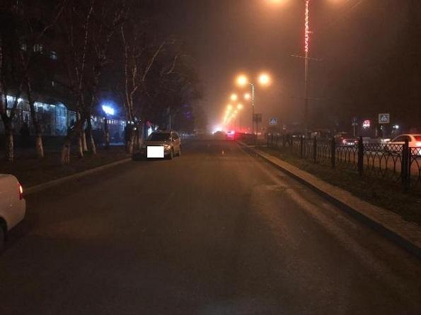 В Железноводске молодой водитель на кроссовере сбил пешехода
