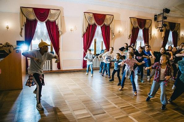 Танцевальная «Барахолка» прошла в Ставрополе