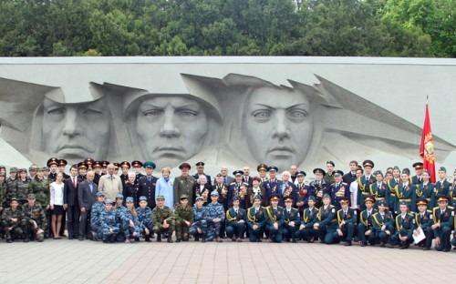 Торжественная линейка «На посту у памяти» состоялась в Ставрополе
