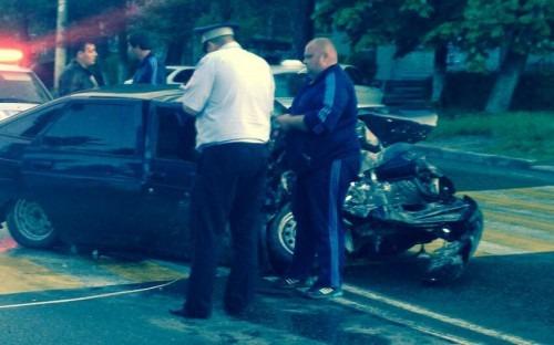 В Невинномысске произошло ДТП с маршруткой и легковым авто