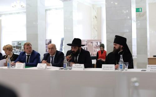Межрелигиозные и внутриконфессиональные отношения на Северном Кавказе обсудили на Общественном совете СКФО