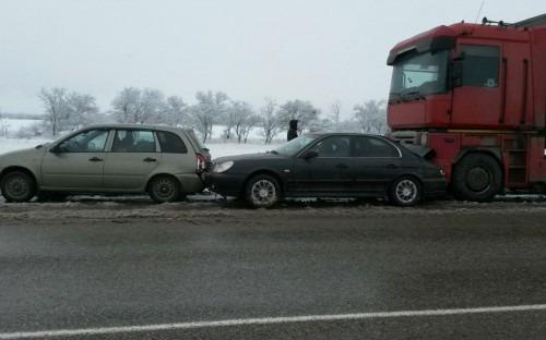 В Изобильненском районе столкнулся автобус и легковой автомобиль