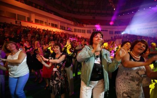 Жители России и зарубежья объединились в рекордном танце
