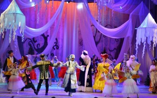 Более 4000 детей и их родителей посетили новогодние представления в ДКиС