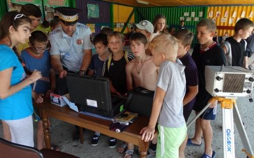 Организована выставка спецтехники ГИБДД