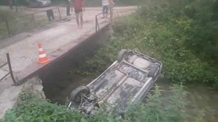 В Кисловодске пьяный водитель перевернул свой автомобиль. Пострадало три человека