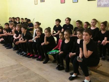 Познавательный открытый урок «Наша история» провели для танцоров детского ансамбля кавказского танца «Кавкасиони»