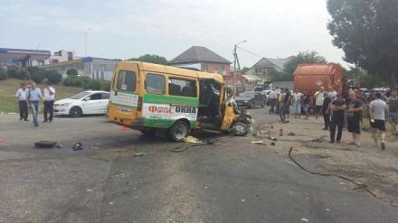 Трое человек погибли в ДТП с мусоровозом и маршруткой