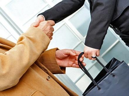 Главного инженера ОАО «Арнест» подозревают в получении «откатов»