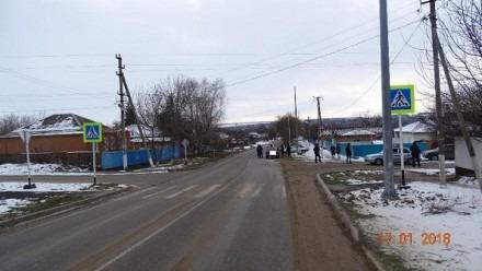 В Новоалександровском районе женщина-водитель сбила школьницу