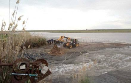 Восстановление дамбы в селе Чернолесском