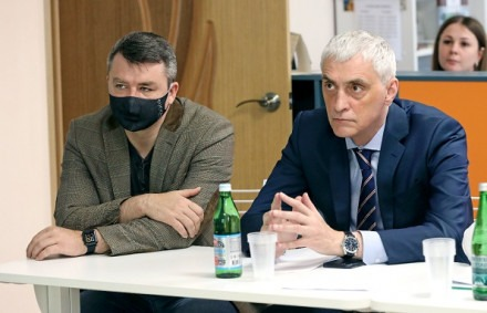 Артур Насонов, председатель комитета по образованию, культуре, науке, молодежной политике, средствам массовой информации и физической культуре