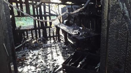 Мужчина самостоятельно тушил пожар